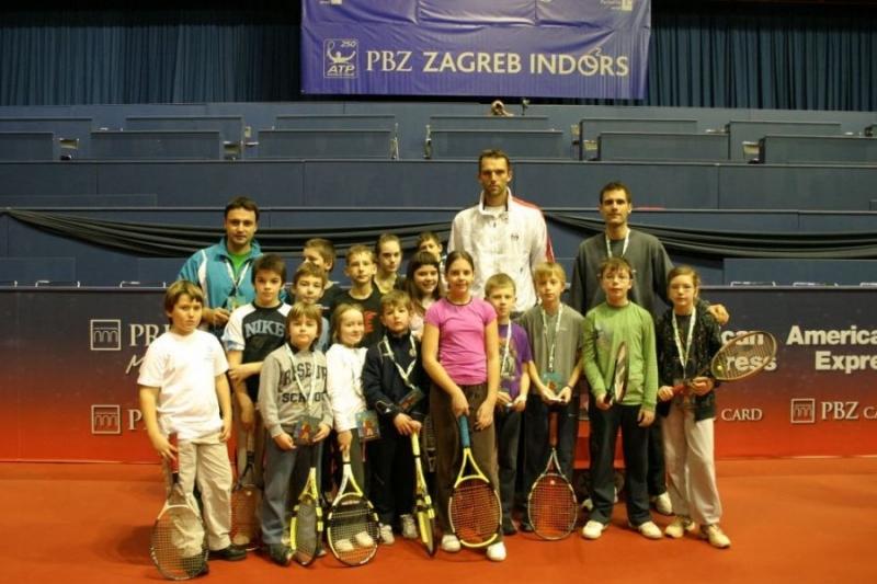 Karlovi----Zg-Indoors-2010-TK-Futur--29-